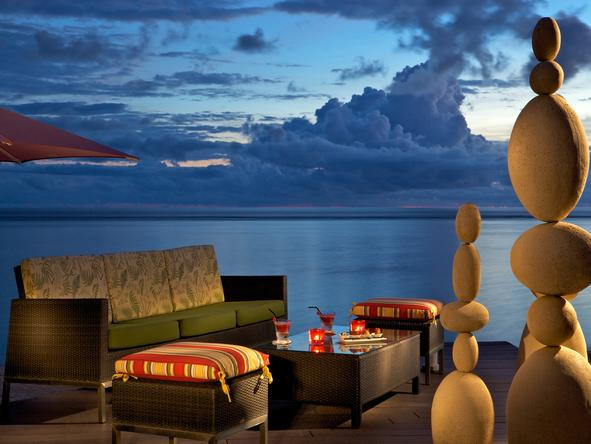 Sugar Beach Resort - romantic sunset evening